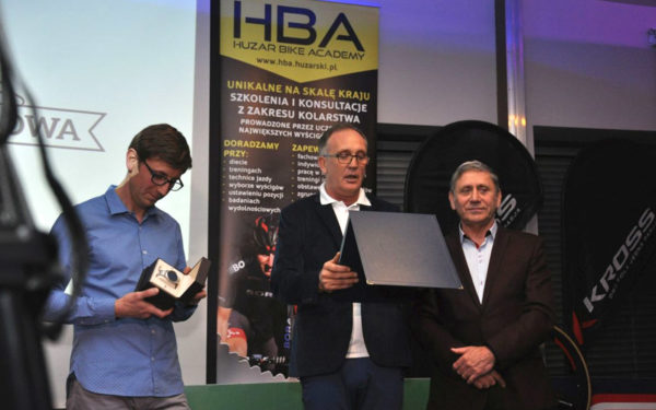 bartosz-huzarski-konferencj